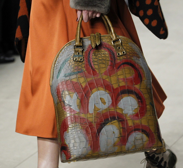 Burberry Fall 2014 Runway Bags 26