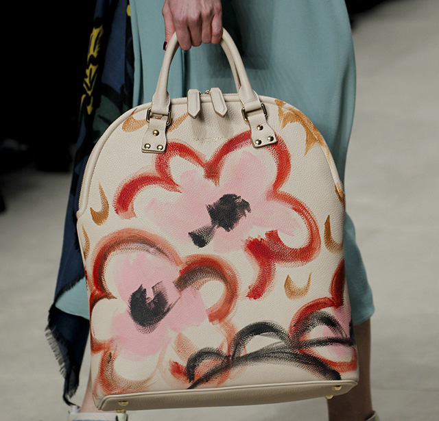 Burberry Fall 2014 Runway Bags 29