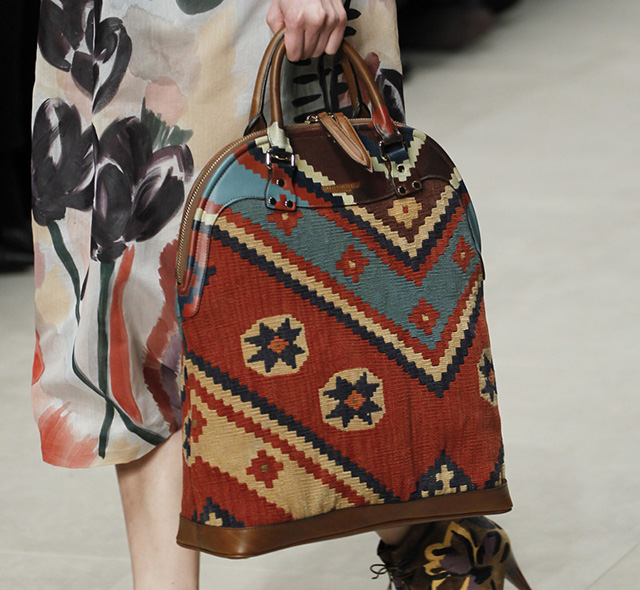 Burberry Fall 2014 Runway Bags 32