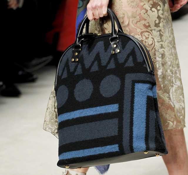 Burberry Fall 2014 Runway Bags 37