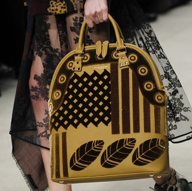 Burberry Fall 2014 Runway Bags 7